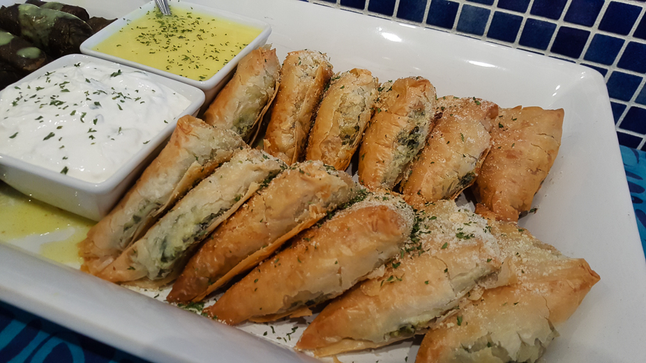 A Taste of Louis Pappas Greek Cafe (Spanakopita)